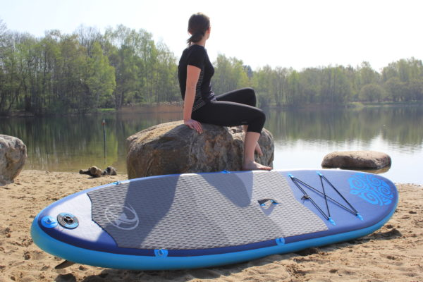 nemaxx sup blue mit person an felsen
